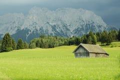 наблюдать башни визирования munich гор ландшафта горизонта баварского ebersberg города далекий не Стоковое Фото