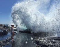 Наблюдать волны Стоковая Фотография