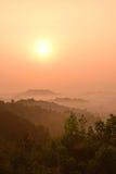 Наблюдая восход солнца Borobudur от холмов Punthuk Setumbu Стоковые Фото