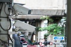 Наблюдение камеры CCTV на большом городе Стоковое фото RF