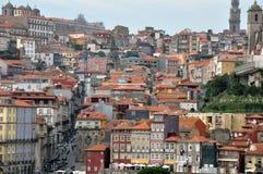 наведите douro конструкции города над рекой porto Португалии части Стоковое Изображение