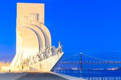 навигаторов inaugurated генриом lisbon 500 1960 открытий смерти торжеств caravel годовщины памятника Португалия сформированная к  Стоковое Фото