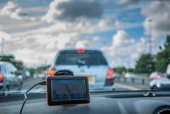 Навигация GPS автомобилем в варенье traffig Стоковая Фотография
