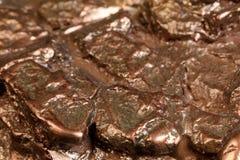 Наггет в бронзе Малая шишка бронзы в абстрактных формах, режима Стоковое Фото