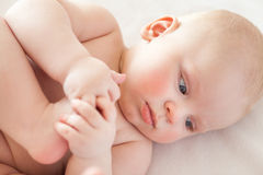 Нагой младенец, забота кожи младенца Стоковая Фотография RF