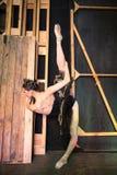 Нагревать балерины стоя кулуарный раньше Стоковое фото RF