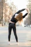 Нагревать перед jogging утра Стоковая Фотография RF