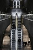 Надземная съемка эскалатора на вокзале стоковое изображение rf