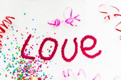 Надпись в связанных письмах на белой предпосылке Изолят дня ` s валентинки St Стоковые Изображения