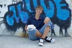 надпись на стенах мальчика Стоковое фото RF