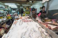 Надувательство еды рыб в Бангкоке Стоковое Изображение