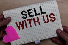Надувательство текста сочинительства слова с нами Концепция дела для онлайн продавая платформы ища человек электронной коммерции  стоковое фото rf