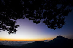 над восходом солнца неба горы Стоковая Фотография