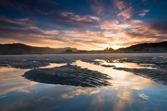 над восходом солнца пляжа стоковая фотография rf