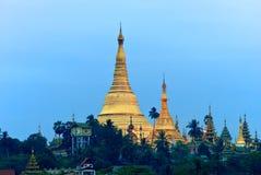 над восходом солнца shwedagon Стоковое фото RF