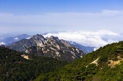 над горами облаков Стоковые Изображения