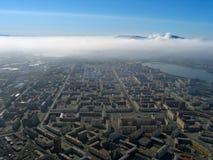 над городком дыма стоковое фото