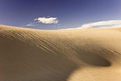 над дюнами облаков Стоковые Изображения RF