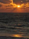 над заходом солнца моря Стоковое Изображение RF