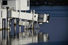 над стробом поднимает терминальная вода Стоковое Фото