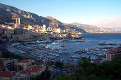 над стыковками Монако Стоковое Фото