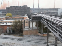 над трубопроводом фабрики земным Стоковая Фотография RF