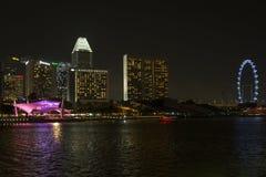 над artscience залив может еще все высокие пески права ночи музея Марины гостиницы увидеть singapore к возвышаться вы Стоковые Фотографии RF