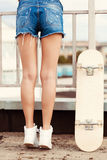 Назад девушки конькобежца Стоковые Фотографии RF