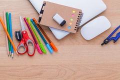 Назад к концепции школы с школьными принадлежностями Стоковые Фото