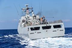 Назад от приводов военного корабля в море mediterran Стоковые Изображения