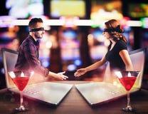 Назначение между мальчиком и девушкой который встречали в болтовне Стоковые Фото