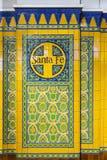 Назовите Санта-Фе на плитках с старым украшением в st поезда соединения Стоковое Изображение RF
