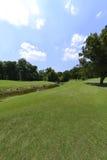 Наилучшим образом поддерживаемый зеленый цвет гольфа в лете Стоковое Изображение RF