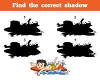 Найдите правильная тень, мальчик ехать прибой Стоковые Изображения