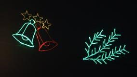 Накаляя колоколы моргают против темной предпосылки Украшения рождества, праздничное освещение акции видеоматериалы