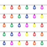 Накаляя красочные электрические лампочки конструируют Гирлянды, украшение праздников рождества иллюстрация вектора