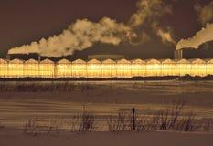 Накаляя парник на ночи зимы стоковое изображение