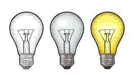 Накаляя светлая лампочка накаливания Гравировка вектора винтажная на белой предпосылке Стоковые Изображения