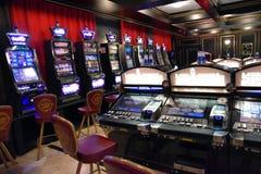 Накаляя торговый автомат казино стоковая фотография