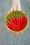 Накаленные докрасна перцы Chili в шаре Стоковая Фотография