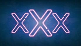 Накаляя знак улицы неонового света XXX Стоковое фото RF