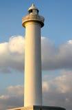 Накидка Zampa маяка, деревня Yomitan, Окинава Япония на заходе солнца стоковое фото rf