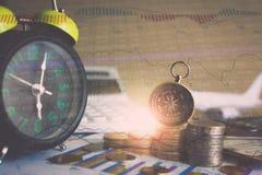 Накопление фондов будущего с диаграммой данным по фондовой биржи Стоковая Фотография