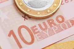 накрените веревочка примечания дег фокуса 100 евро 5 евро Стоковые Фото