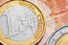 накрените веревочка примечания дег фокуса 100 евро 5 евро Стоковое Изображение RF