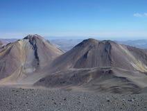 Наклоны вокруг isluga вулкана на чилийском altiplano стоковые изображения