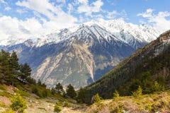 Наклон и большая гора Стоковые Фотографии RF