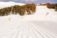 Наклон лыжи в кавказские горы Стоковые Изображения RF