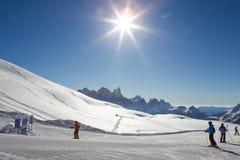 наклон лыжи области caucasus dombay Стоковые Фотографии RF