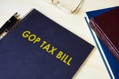 Налоговый законопроект GOP на столе Стоковое Изображение